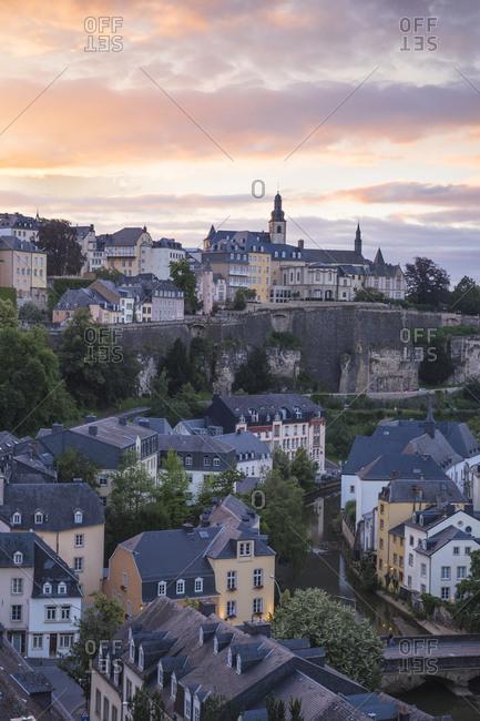 View over the Grund (Lower Town) towards The Corniche (Chemin de la Corniche), Luxembourg City, Luxembourg, Europe
