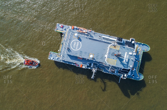 customs boat and operation boat on the Elbe, HH harbour, aerial shots