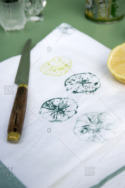 Textile printing with lemon halves