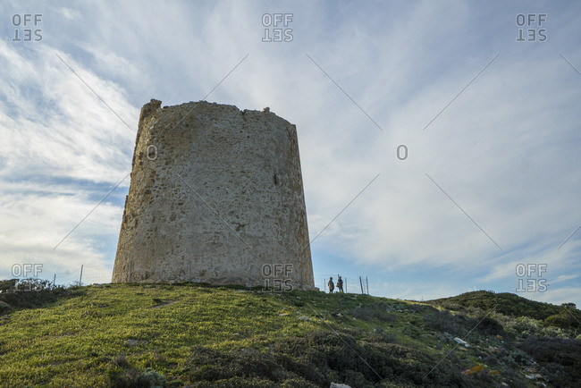 The Spanish Tower of Capo Malfatano is part of a defensive system built at the end of the 16th century to defend the island from attacks by Moorish and Berber pirates. During the period of maximum development, the system had about sixty towers, of which today 16 remain in good condition