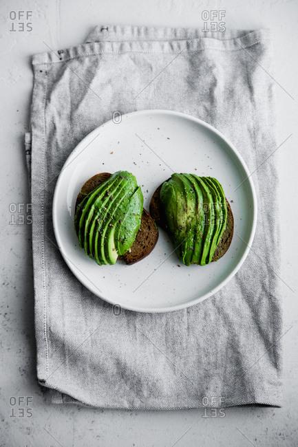 Avocado sandwich on rye toasted bread