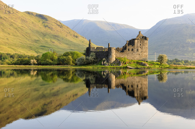 Great Britain- Scotland- Scottish Highlands- Argyll and Bute- Loch Awe- Castle Ruin Kilchurn Castle