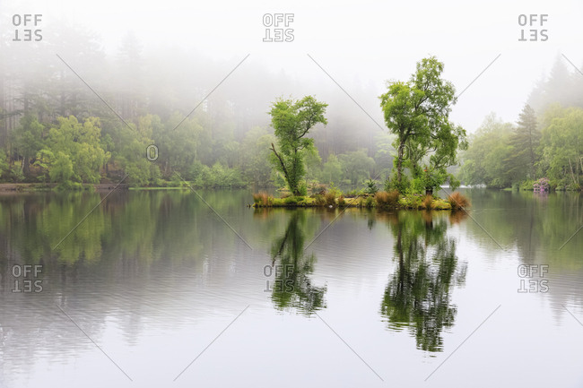 Great Britain- Scotland- Scottish Highlands- Glencoe- Glencoe Lochan- morning fog