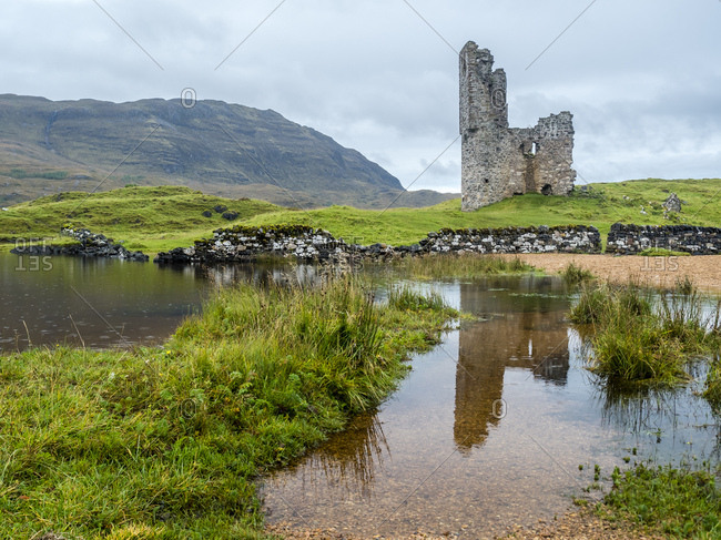 UK- Scotland- Highland- Loch Asynt- Ardvreck Castle ruin