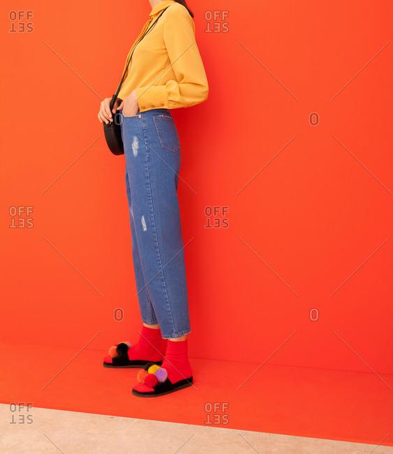 Model wearing yellow shirt
