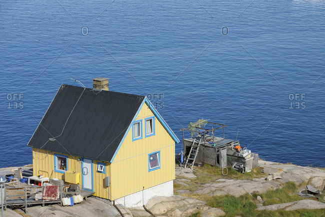 Residential house in the summer, Ilulissat, Icefjord, Disko Bay, Qaasuitsup, Greenland, Polar Regions, Arctic