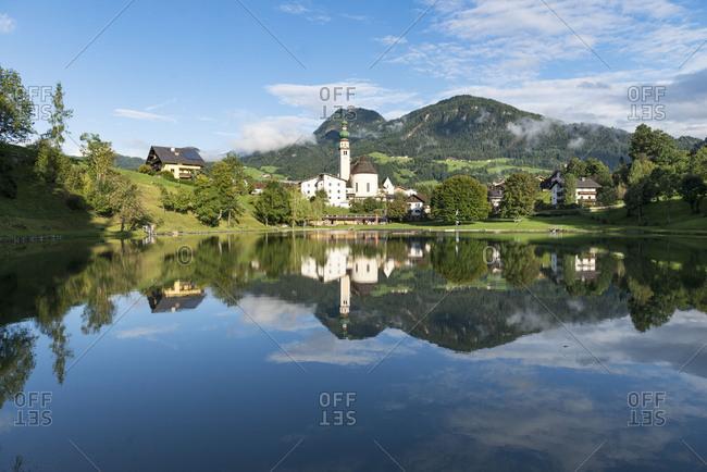 Austria, Tyrol, Alpbach valley, Reith im Alpbachtal, View over the Reither See on Reith im Alpbachtal.