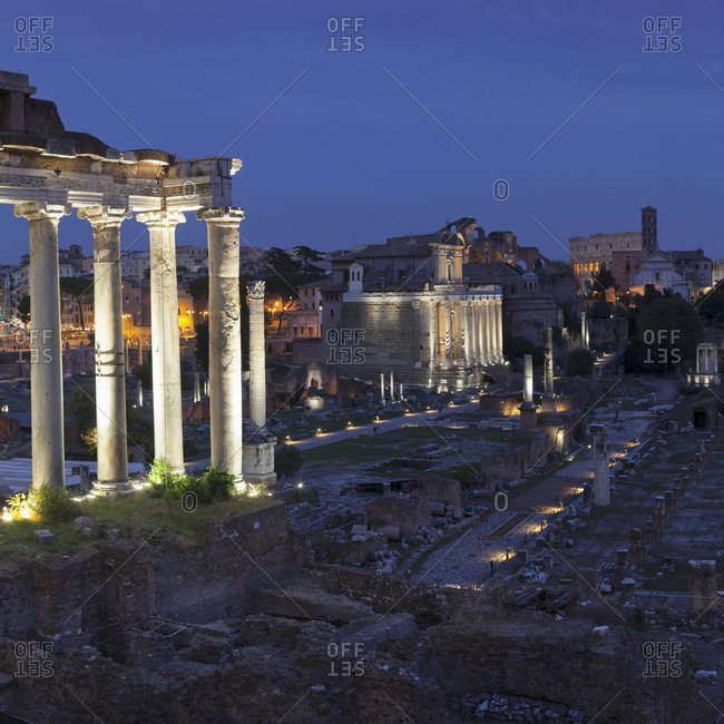 Roman Forum with Saturn Temple and Coliseum behind, Foro Romano, Rome, Lazio, Italy