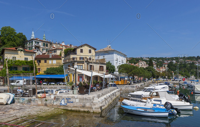 Croatia, Istria, Kvarner Bay, Volosko, harbor, beach cafe, promenade, Adriatic sea,