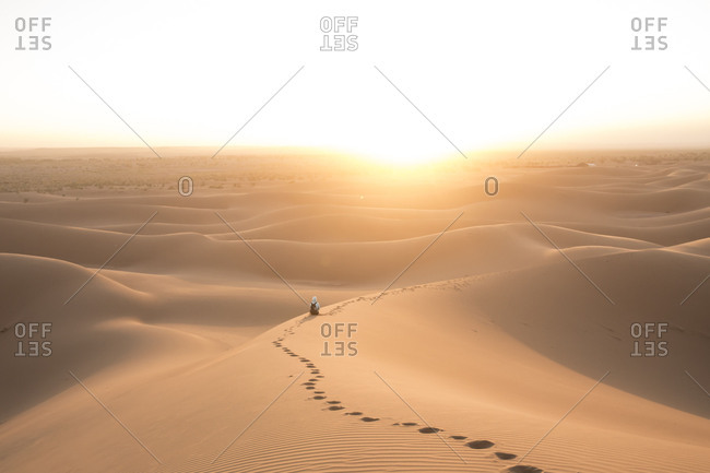 Morocco, Erg Chigaga, sunrise in the Sahara desert