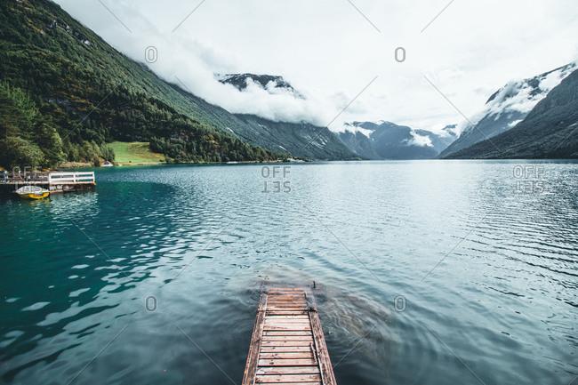 Norway, Stryn, Lovatnet, jetty on the lakeside