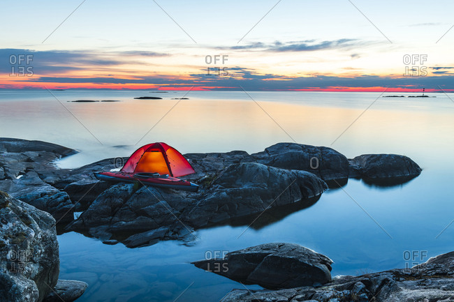 Tent on rocks - Offset Collection