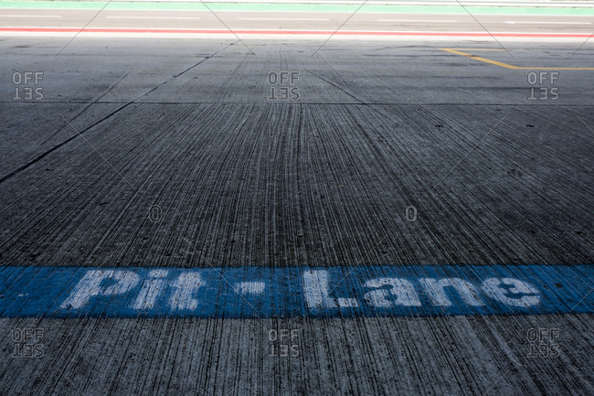 Writing pit lane on racetrack
