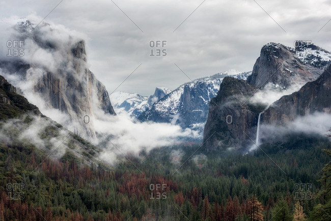 Yosemite view in Winter with low clouds