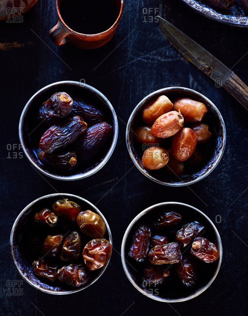 Variety of dates in the process of drying