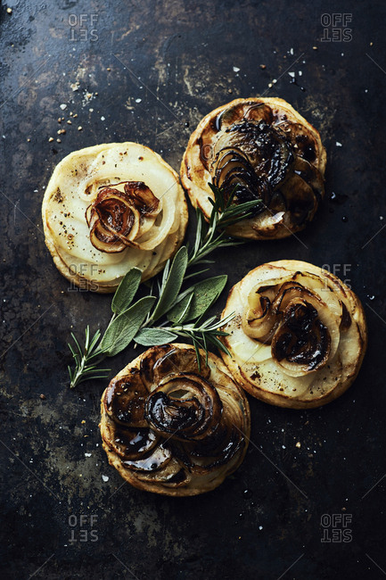 Onion and potato tartelettes with balsamic glaze