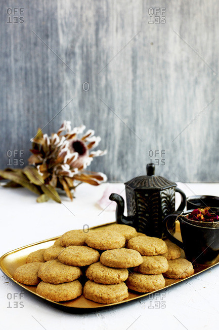 Vanilla Bean Wafers with Rose Tea