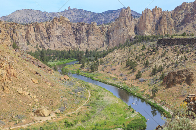 USA, Oregon, Redmond, Terrebonne. Smith Rock State Park. Crooked River. High Desert. Basalt rocks and cliffs.