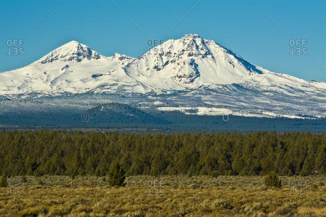 Two Sisters, Cascade Mountains, Sisters, Oregon, USA