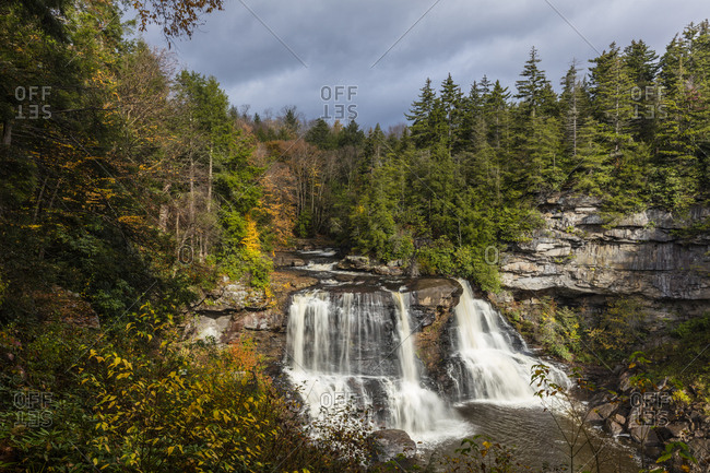 Blackwater Falls in autumn in Blackwater Falls State Park in Davis, West Virginia, USA