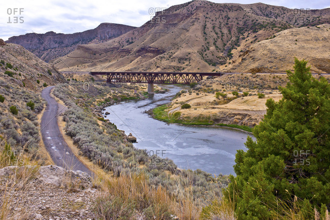 USA, Wyoming. Wind River Canyon, Bighorn River, BNSF Bridge