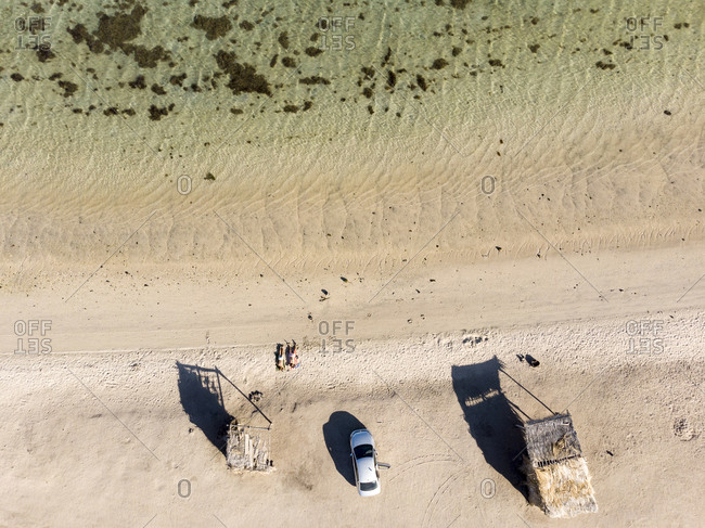 Overhead view of beachgoers at Playa El Requeson, Baja California Sur, Mexico