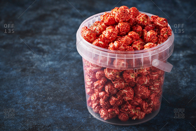 Gourmet strawberry popcorn in a container