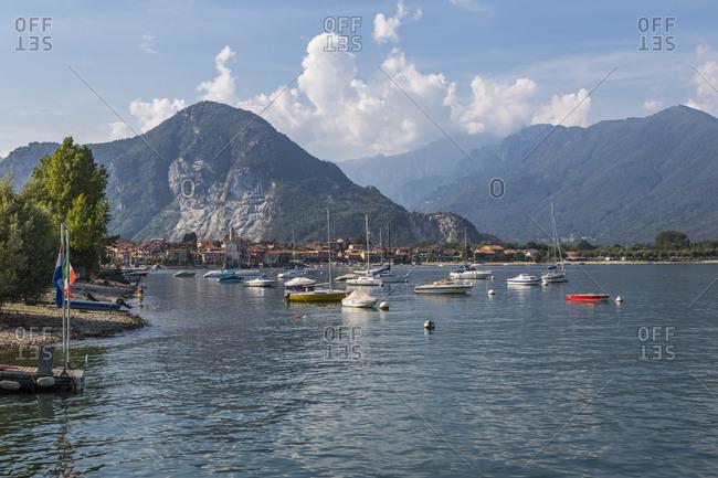 View of Feriolo and boats on Lake Maggiore, Lago Maggiore, Piedmont, Italian Lakes, Italy, Europe