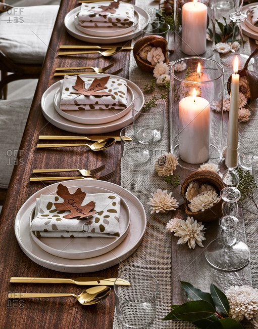 Thanksgiving dinner party table