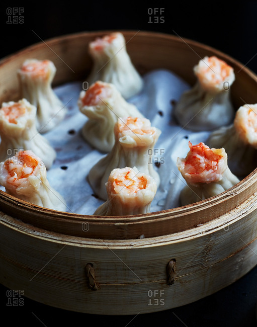 Shrimp and pork dumplings soup