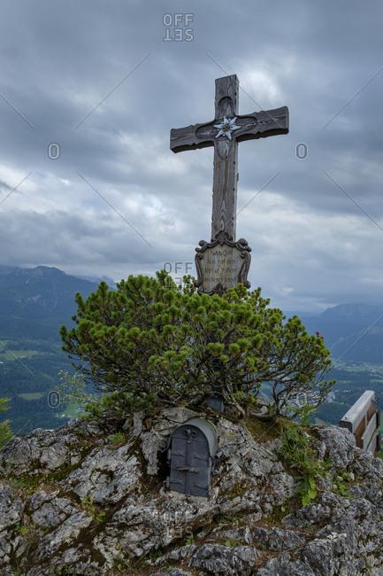 Germany- Bavaria- Berchtesgadener Land- Berchtesgaden Alps- Kneifelspitze- summit cross