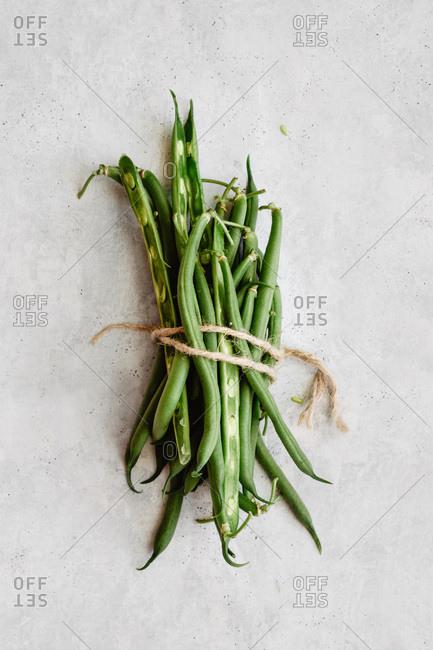 Minimal raw green beans