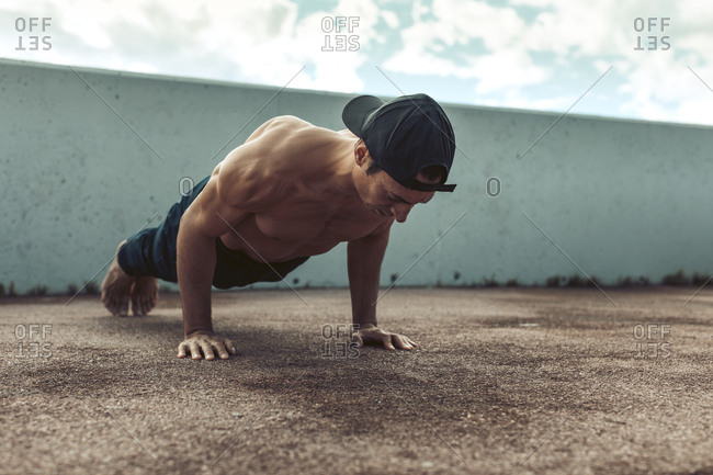 Men doing flexion