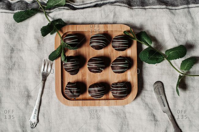 Dark chocolate mint pralines