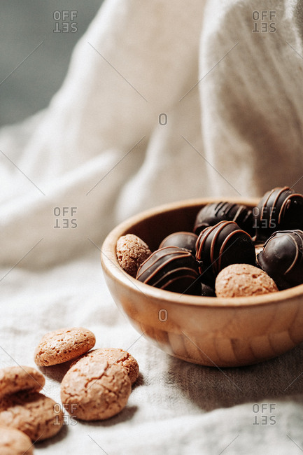 Dark chocolate pralines and cookies