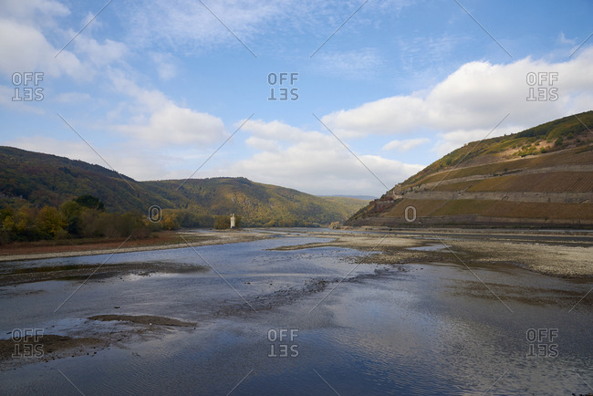 Germany- Rhineland-Palatinate- Bingen- Rhine river- low tide near Nahe mouth- Mouse Tower and Rheinfels