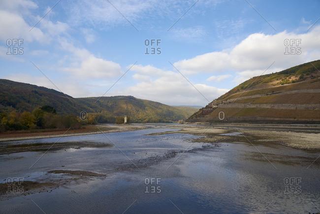 Germany- Rhineland-Palatinate- Bingen- Rhine river- low tide near Nahe mouth- Mouse Tower and Rheinfels