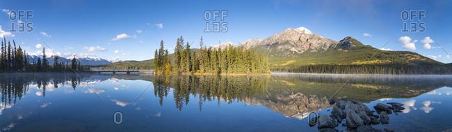 Canada- Alberta- Jasper National Park- Pyramid Mountain- Pyramid Lake