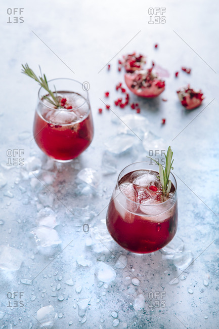two pomegranate gin fizz