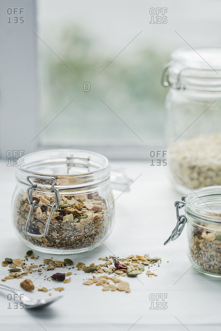 jars of granola and oats