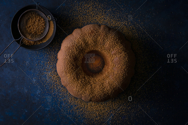 spice cake with almond cookie crumbs