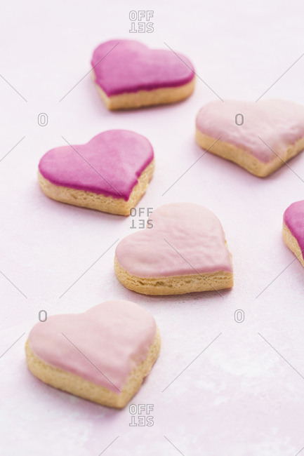 iced pink valentine's cookies
