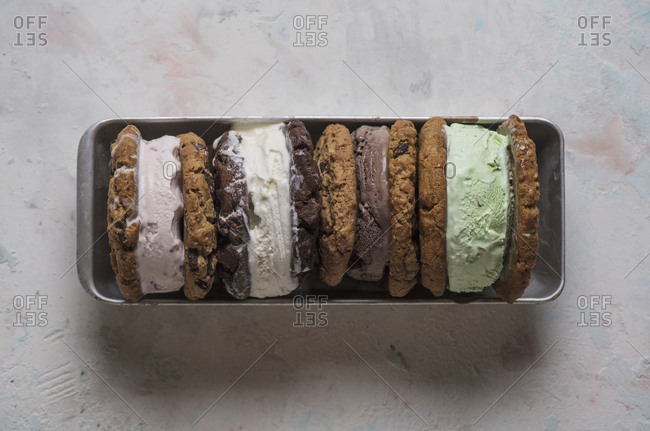 Overhead view of ice cream sandwiches served in plate on table