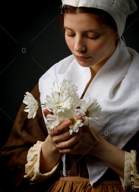 Medieval maid holding flowers - Offset