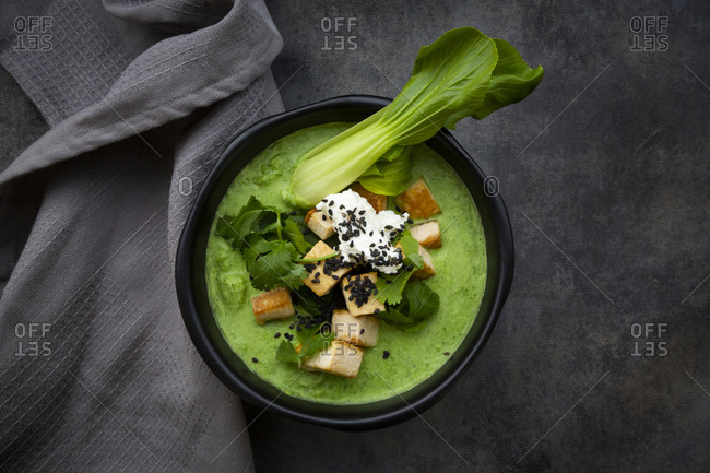 Green thai curry with spinach- pak choi- tofu- sour cream- black sesame and rice