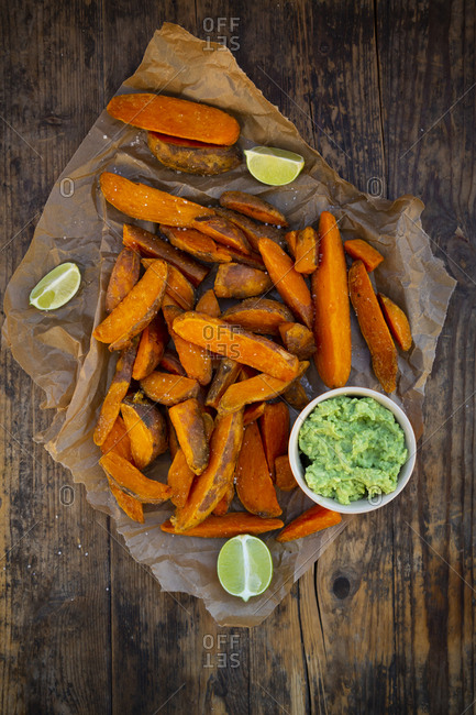 Sweet potato wedges with avocado dip