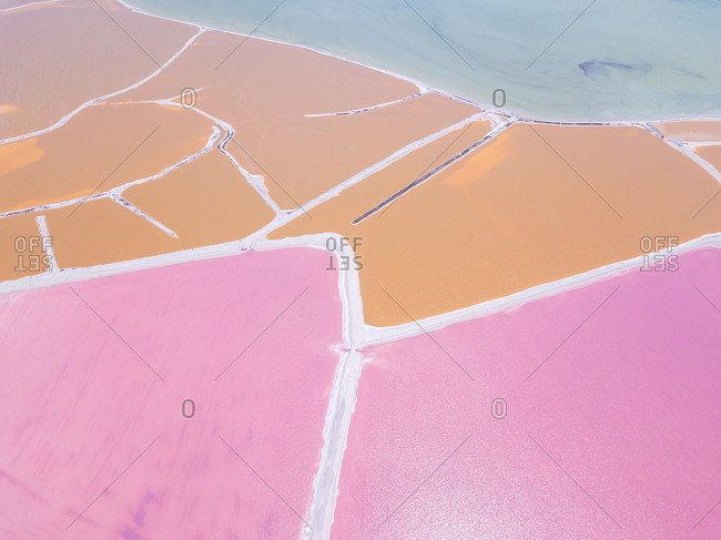 Mexiko- Yucatan- Las Coloradas- Pink Lake salt lake