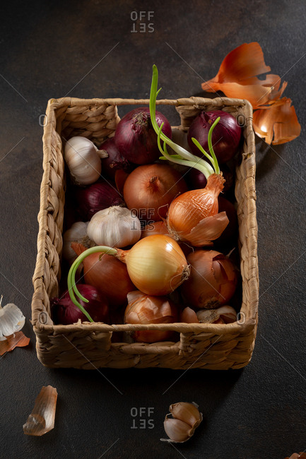 Onions mix in basket