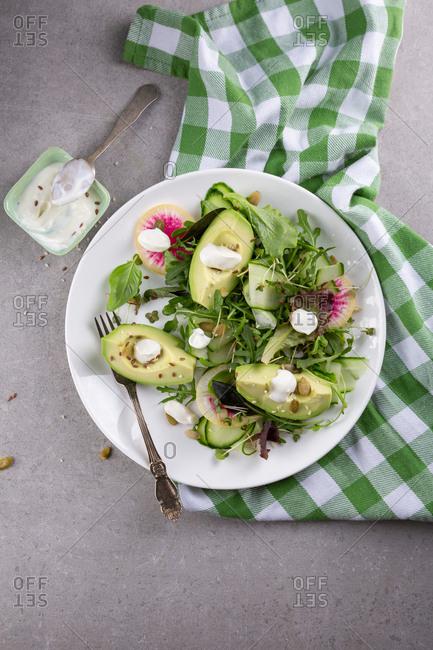Green avocado salad