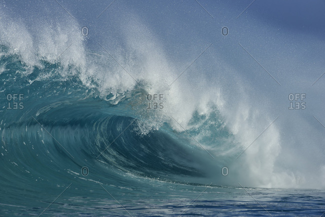 USA- Hawaii- Oahum- Pacific Ocean- big dramatic wave